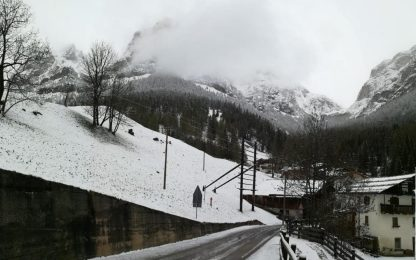 Maltempo, la neve sulle Dolomiti bellunesi. FOTO