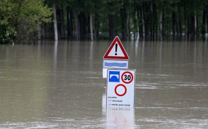 Allerta meteo a Modena per la piena del fiume Secchia