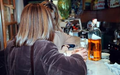 Alcol, in Italia 8,7 mln di consumatori a rischio. Aumentano le donne