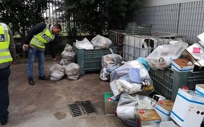 Rifiuti per riempire strade nel Casertano: sequestrati 2 siti abusivi