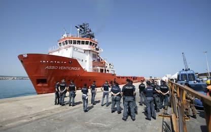 Nave italiana soccorre 62 migranti: arrivata a Pozzallo