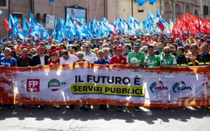Roma, sindacati in piazza per la manifestazione unitaria