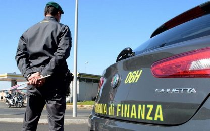Sorpreso con anabolizzanti, armi e droga nel Comasco: denunciato