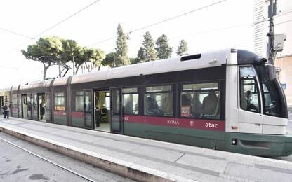 Roma, dipendente Atac presa a pugni da una passeggera sul tram