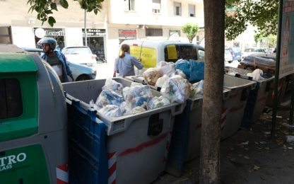 Ercolano, brucia rifiuti e picchia un carabiniere: arrestato 51enne
