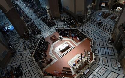 Zeffirelli, l'ultimo saluto al regista nel Duomo di Firenze