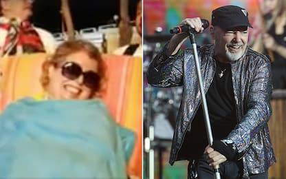 Laura, malata di sclerosi multipla, assiste al concerto di Vasco