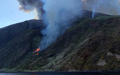 Stromboli, eruzioni ed esplosioni dal cratere. FOTO