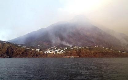 Stromboli, esplosione dal cratere: evacuate 70 persone a Ginostra