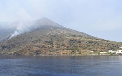 Stromboli, si intensifica l'attività eruttiva: lava sulla costa