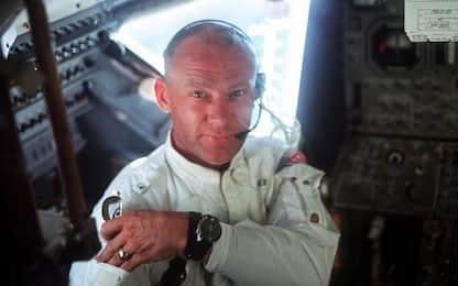 Chi è l'astronauta Buzz Aldrin, l'eccentrico eterno secondo. VIDEO