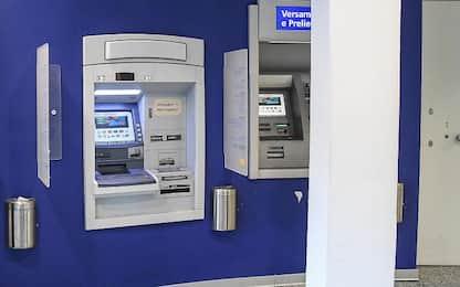 Biella, trovato esplosivo vicino a bancomat: evacuate banca e poste
