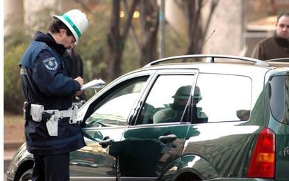 Lucca, colleziona 126 multe in quattro mesi: dovrà pagare 20mila euro