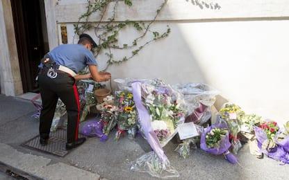 Fiori e messaggi per il carabiniere ucciso a Roma. FOTO