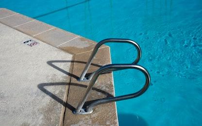 Milano, disabile annegato in piscina: sequestrato il defibrillatore
