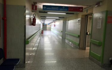 corsia-ospedale-ansa