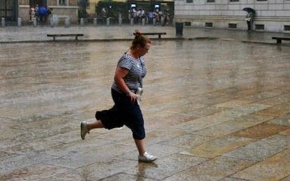 Nubifragio a Milano, turisti colti di sorpresa. FOTO