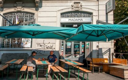 Milano, sconti a stranieri: ostello protesta contro decreto sicurezza