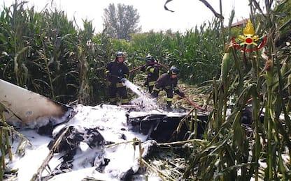 Ultraleggero precipita in un campo nel Pavese, feriti due passeggeri