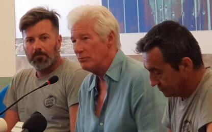 Migranti, Open Arms e Richard Gere: la conferenza stampa