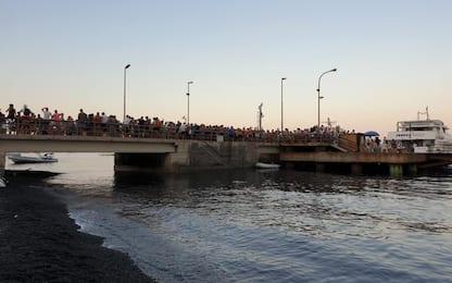 Stromboli invasa dai turisti, parroco lancia l'allarme