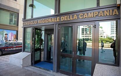 Ponte Morandi, bandiere a mezz'asta al Consiglio regionale Campania