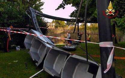 Si ribalta trenino nel parco divertimenti di Movieland: 7 feriti