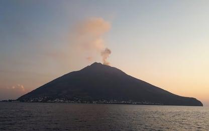 Stromboli, nuova eruzione: isola avvolta nel fumo. FOTO