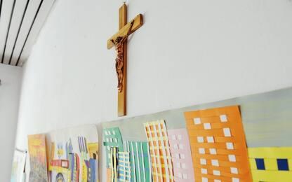 Ferrara, il Comune compra 385 crocifissi per le scuole