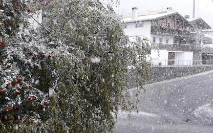 Piogge in Valtellina, neve al Passo dello Stelvio: viabilità a rischio