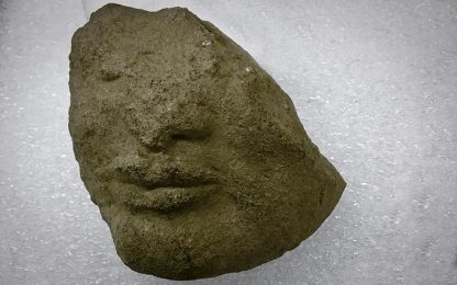 Paestum, trovato frammento di testa tardo-arcaica nel tempio di Athena