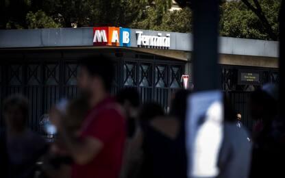 Roma, molesta una ragazzina sulla banchina della metro: arrestato