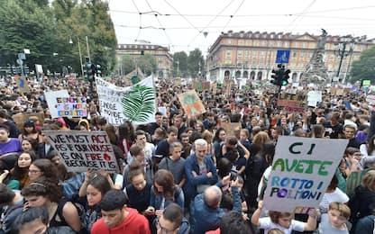 Fridays for Future, la manifestazione per il clima a Torino