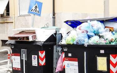 Roma-rifiuti-Hero-lapresse