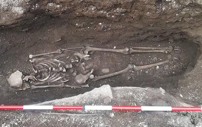 Roma, altri due scheletri trovati davanti alla stazione metro Piramide