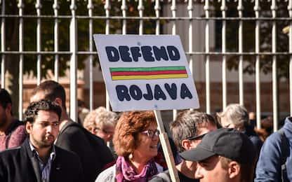 """""""Defend Rojava"""": a Milano manifestazione per i curdi."""