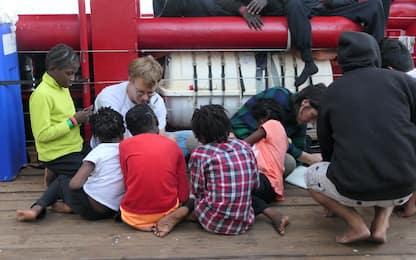 Migranti, la nave Ocean Viking è in mare da 10 giorni. FOTO