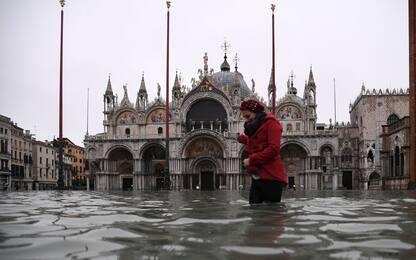 Acqua alta a Venezia, città in ginocchio. FOTO