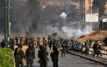 Bolivia, scontri tra manifestanti pro-Morales e polizia: 8 morti
