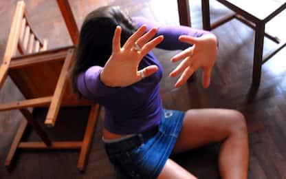 Mantova, picchia l'ex fidanzata in un bar: arrestato 34enne