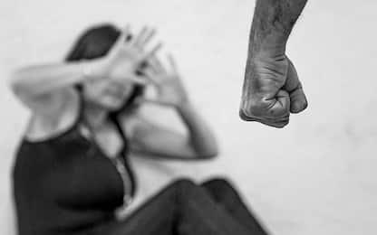 Brolo, picchia la ex con un bastone di legno: arrestato 20enne