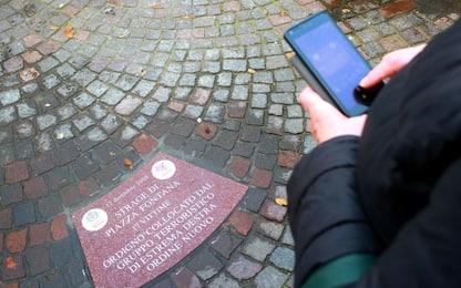Piazza Fontana, 17 formelle ricordano le vittime della strage. VIDEO