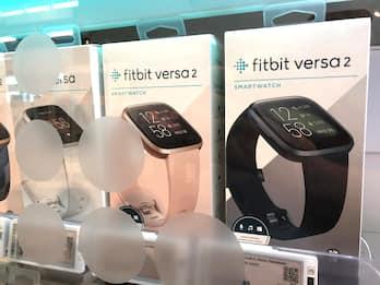 Fitbit abilita il tracking dell'ossigeno nel sangue prima di Apple