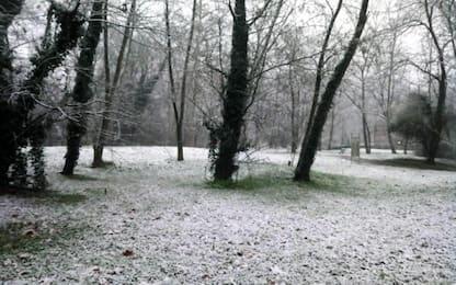 Maltempo, tormenta di neve in Valchiavenna: chiuso tratto statale 36