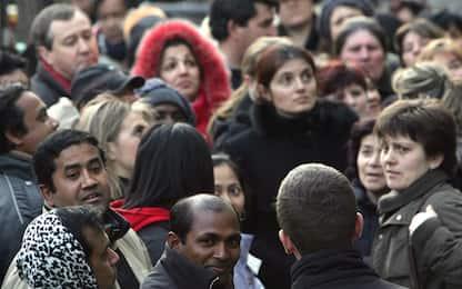Aumentano emigranti italiani all'estero, calano migranti dall'Africa