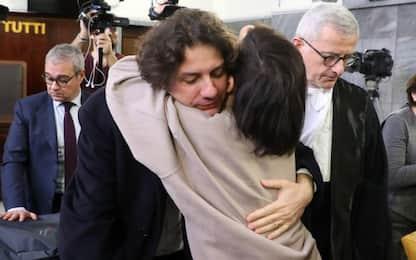 """Morte Dj Fabo, assolto Marco Cappato: """"Il fatto non sussiste"""""""