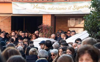 Ragazze investite a Roma, i funerali di Gaia e Camilla. FOTO
