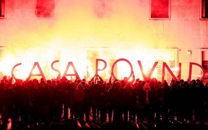 Casapound, rispunta la scritta davanti all'edificio occupato a Roma