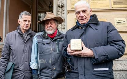 Milano, posate oggi alcune pietre d'inciampo per vittime lager. VIDEO