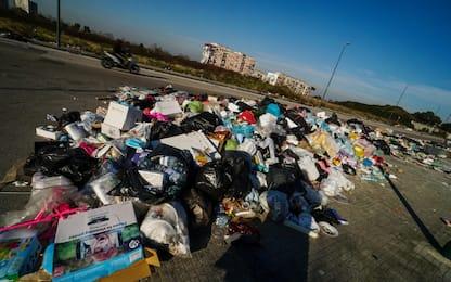 Roma, trovate 25 tonnellate rifiuti in discarica abusiva al Prenestino